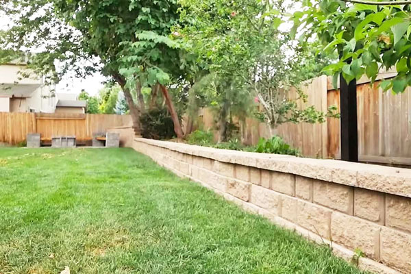 cream stone retaining wall